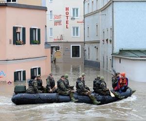 flood-germany-town-street-zodiacs-lg